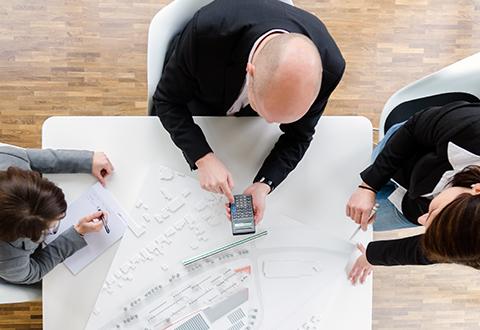 LIST Gruppe LIST Invest Unternehmen Mitarbeiter Besprechung